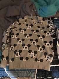 Mickey Mouse Crew neck size small brand new $10 Raleigh, 27615