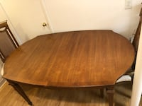 dining room table w/ 6 chairs needs new home! Ellicott City, 21042