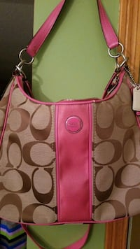 COACH PURSE. NEW. TAN and PINK Des Moines, 50320