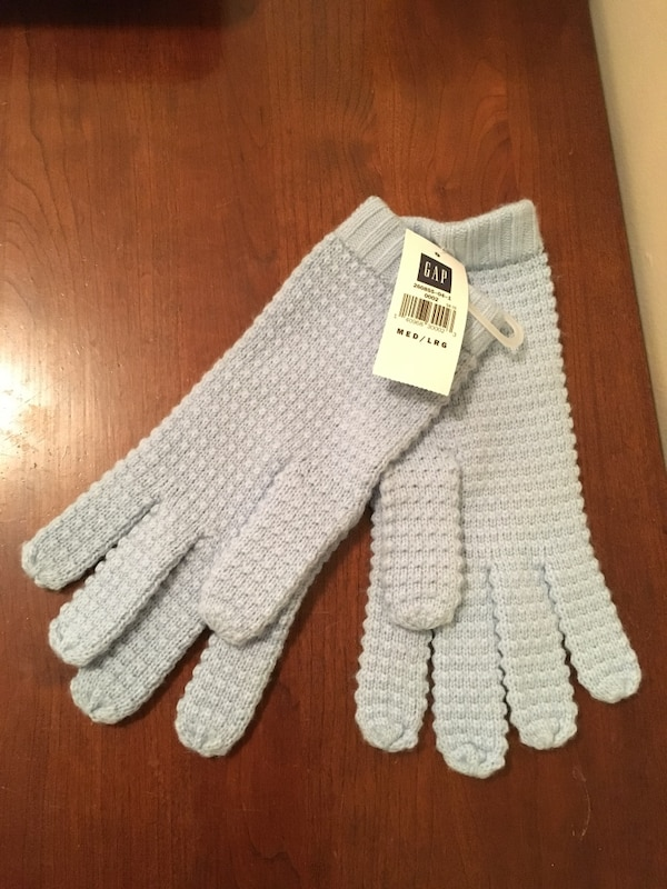 Gap Gloves - new, tags on