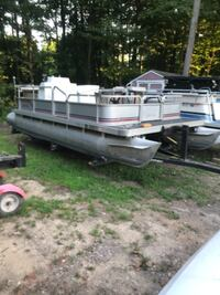 1987 18 ft pontoon Parti Kraft Cedar Springs