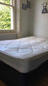 Double bed matress in excellent condition London, NW3 4HL