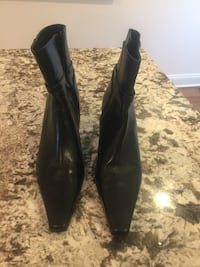 Pair of black leather knee-high boots Baltimore, 21224