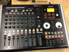 Tascam  mixing board musical instrument multi track recorder DR-02 Used Tested