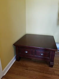 Coffee table w/ 2 matching side tables Hendersonville, 37075