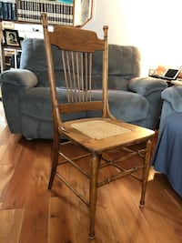 Vintage Oak chair caned seat. Clay, 13041