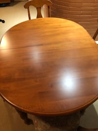 Dining table Hampstead, H3X 3H4