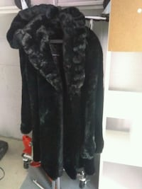 Coat sz M Washington, 20018
