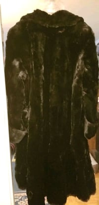 2 fur coats for sale  Scarborough, M1K