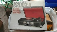 Crosley Cruiser 3-speed portable turntable box Sterling, 20164