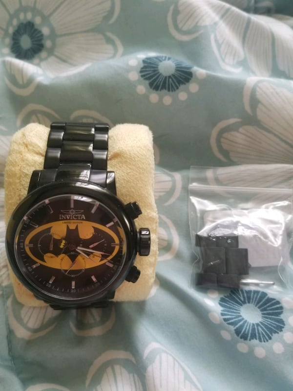 Limited Edition Invicta DC Batman Chronograph Watc 71be823b-288f-4f15-8fe3-4be31bb06eb7