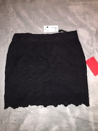 BNWT size xs lace skirt Winnipeg