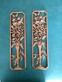 Gold tone Wall decorations