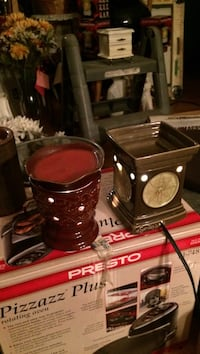Blow out price Scentsy Warmer. Each