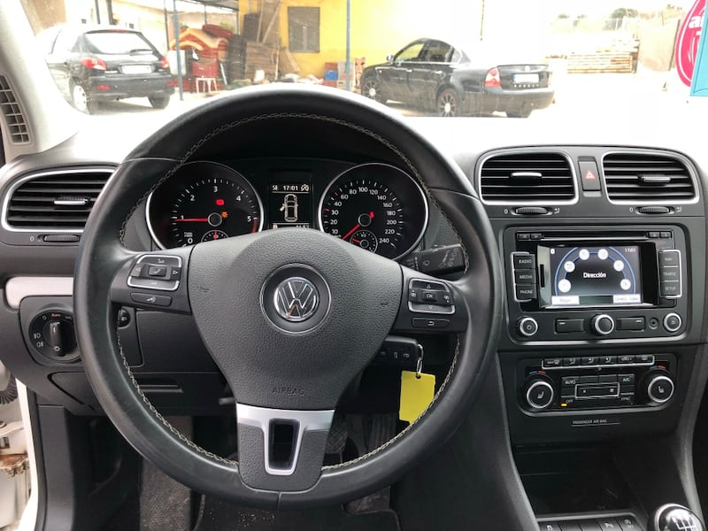 Volkswagen - Golf - 2012 3