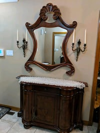 Beautiful Entrance Mirror & Chest Vaughan, L6A 4N8