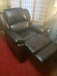 Black Leather Recliner Chair Sarasota, 34231