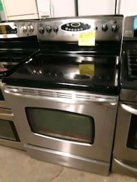 MAYTAG STAINLESS STEEL ELECTRIC STOVE WORKING PERFECTLY  Baltimore, 21223