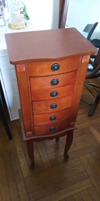 brown wooden 5-drawer chest Brooklyn, 11219