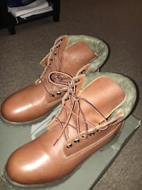 Pair of brown leather work boots don't do shipping 9.5