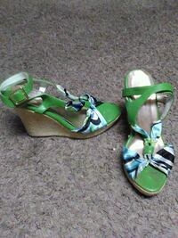 green-and-brown leather open-toe sandals Minneapolis, 55413