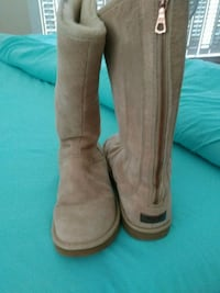 Authentic UGG Boots...tall Tan back zip up boots Greenville