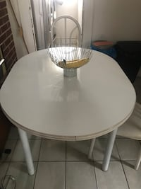 Dining table and 4 chairs New York