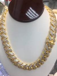 gold-colored chain necklace New York, 10458
