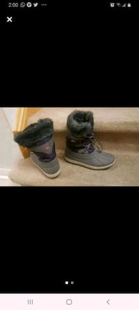 Snow boots girls youth size 3
