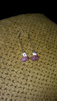 pair of purple-and-white earrings Greeneville, 37743