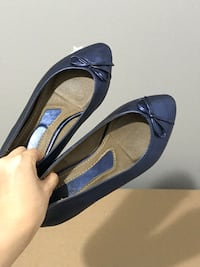 Size 6 Blue Flat Shoes Mississauga, L5B 4N3