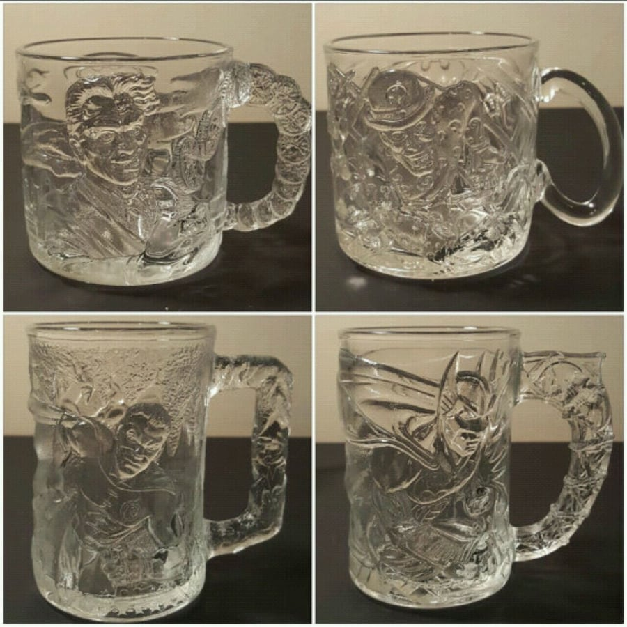 McDonald's Batman Forver 1995 glass/mug set 99fa2229-9410-4f31-a23c-a4674ee8eed9