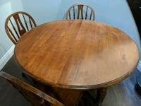 Dining table Vaughan, L4J 7L9
