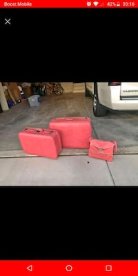 Vintage pink suitcase only (the large one) Johnstown