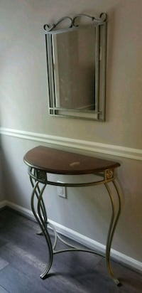 Mirror and console table Germantown, 20874