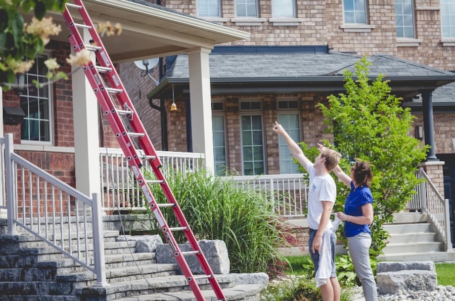 Window, eavestroughs and siding cleaning c2ea2b3d-d1c6-4b0d-8545-269ac7056515