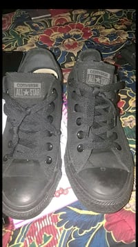 Converse Low Tops Solid Black Size: 6 Youth Bessemer