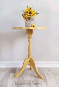 Accent side hall table  Barrie