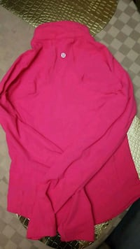 Lululemon women's active wear top,size S  London, N6G 0A9