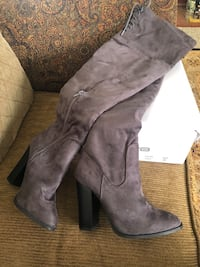 Boots Brand New color grey size 8