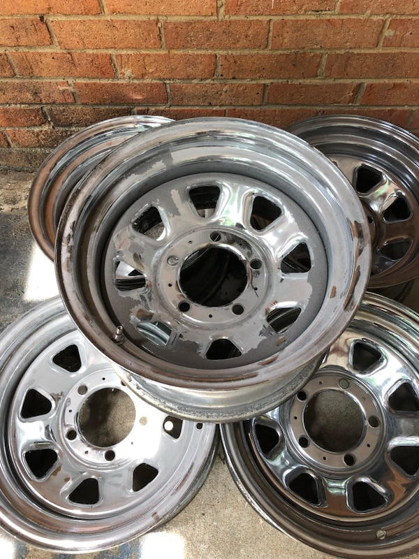 Jeep CJ 1981 set of four used chrome rims without center caps, pick up location is in Falls Church VA zip code 22042