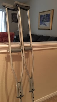 Never used adjustable crutches Arlington, 22206