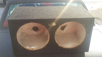 Speaker box for 12's with insulation