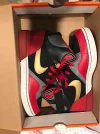 Black-gray-red Nike basketball shoes in box Islip, 11706