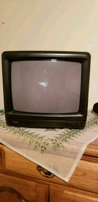 black CRT TV with remote Mississauga, L5B 3E7