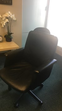 Black  padded rolling chair Surrey, V4A 9E3