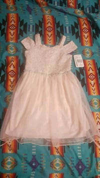 Kids dress Fort Erie, L2A 2W6