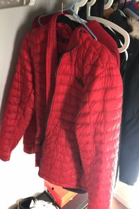 NORTHFACE RED SIZE SMALL Vancouver, V6H