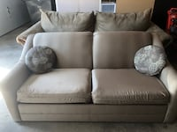 Pull out couch bed