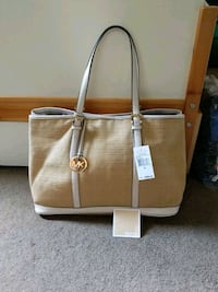 Authentic Michael Kors Amagansett XL Straw Tote Calgary, T3J 0H5